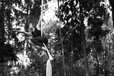Danseres-en-Luchtacrobaat-J.D.-Swing-2
