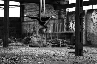 Danseres-en-Luchtacrobaat-J.D.-Swing-6
