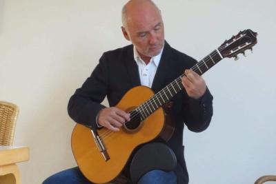 Klassiek-Gitarist-4