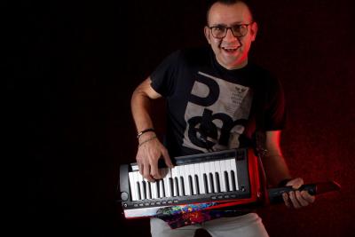 One-man-band-Keytar-en-Zang-2020-2
