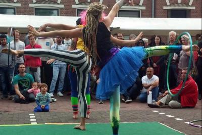 Onvergetelijke-Hula-Hoop-en-Jongleer-Shows-3