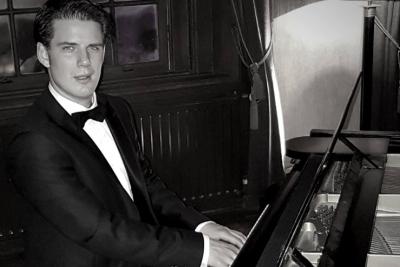 Uw-uitvaart-pianist-Fabian-van-Maarn-5