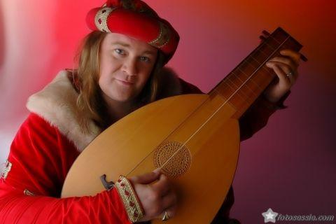 Accordeonist & Middeleeuwse Troubadour met gitaarluit