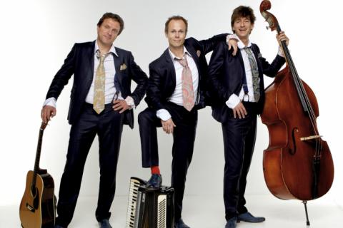 Allround Troubadour met Accordeon, muziek uit vele landen