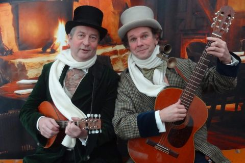 Dickens Troubadour Duo (1)