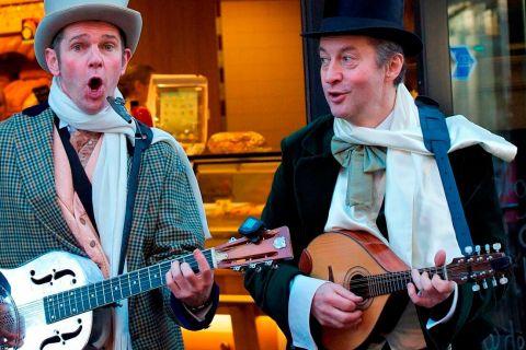 Dickens Troubadour Duo (10)