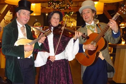 Dickens Troubadour Trio (3)