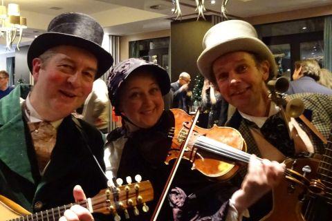 Dickens Troubadour Trio (4)