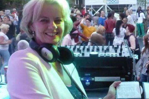 DJ Lady Caro (4)