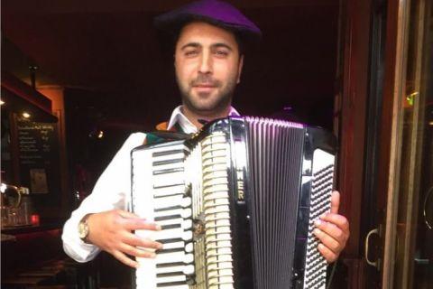 Mobiele accordeonist Florin (3)
