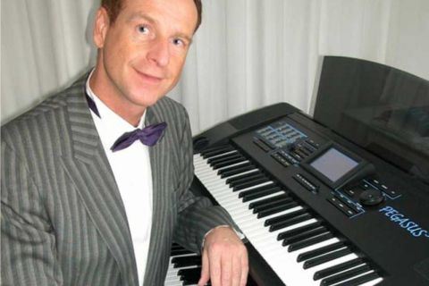 One-man Band Keyboard, Zang en Entertaining (1)