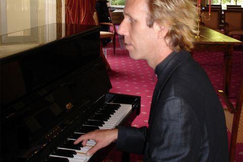Pianist Dik