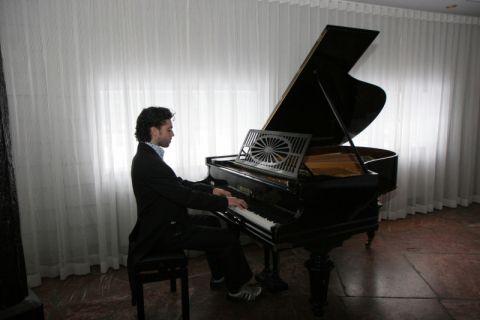 Pianist Sensitieve Muziek