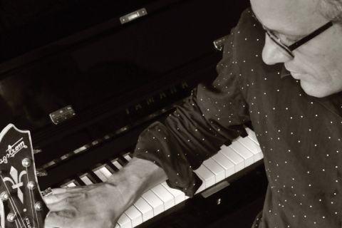 Pianist & Zanger Geert