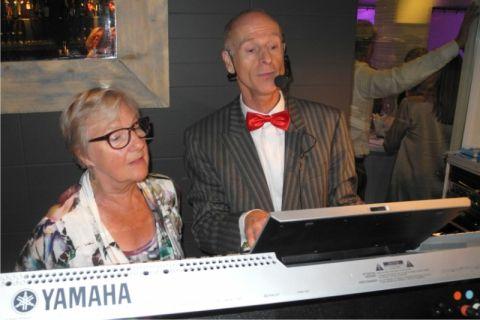 Pianist & Zanger Phil