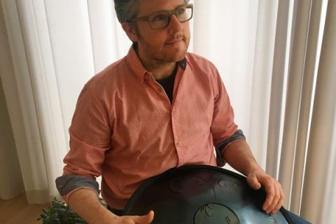 RAV Drumspeler, te boeken bij artiestvooru.nl