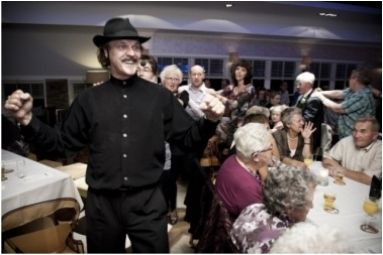 Troubadour entertainer komiek Rob